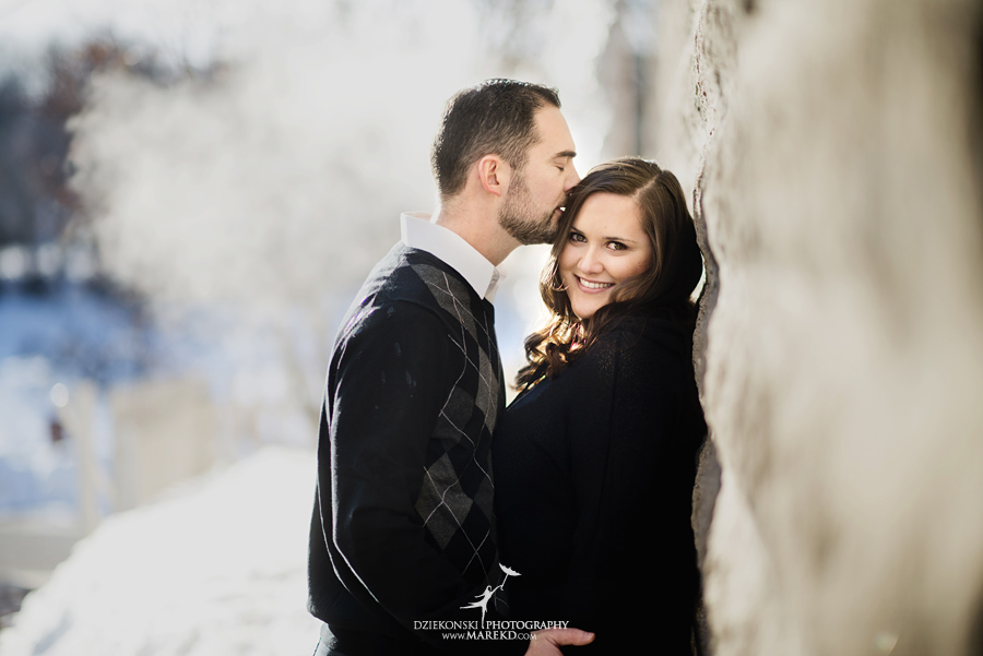 Emily_David_pictures-engagement-session-sunset-winter-cold-snow-february-nature-woods-clarkston-michigan-metro-detroit03