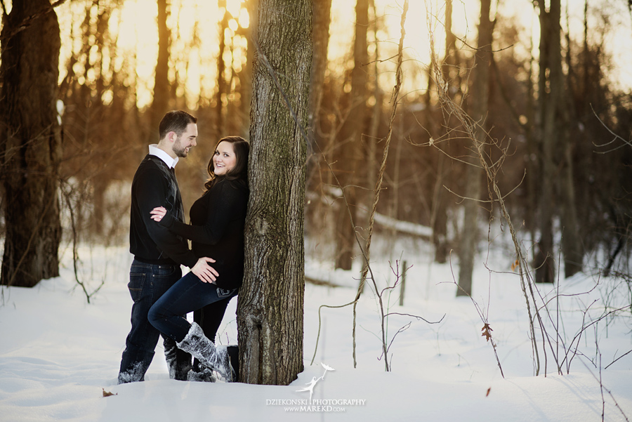 Emily_David_pictures-engagement-session-sunset-winter-cold-snow-february-nature-woods-clarkston-michigan-metro-detroit07