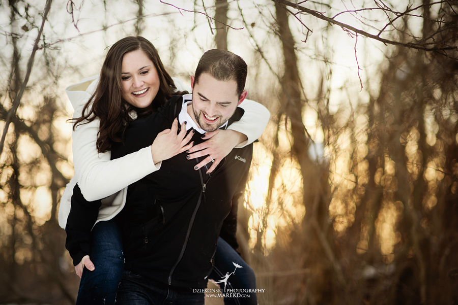 Emily_David_pictures-engagement-session-sunset-winter-cold-snow-february-nature-woods-clarkston-michigan-metro-detroit08