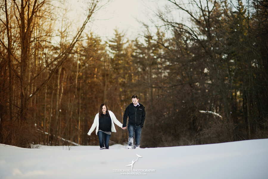 Emily_David_pictures-engagement-session-sunset-winter-cold-snow-february-nature-woods-clarkston-michigan-metro-detroit09