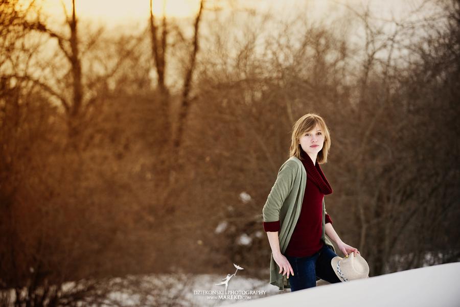 Therese_Stuart_senior-pictures-session-sunrise-winter-cold-snow-february-guitar-hat-nature-woods-clarkston-michigan-metro-detroit02