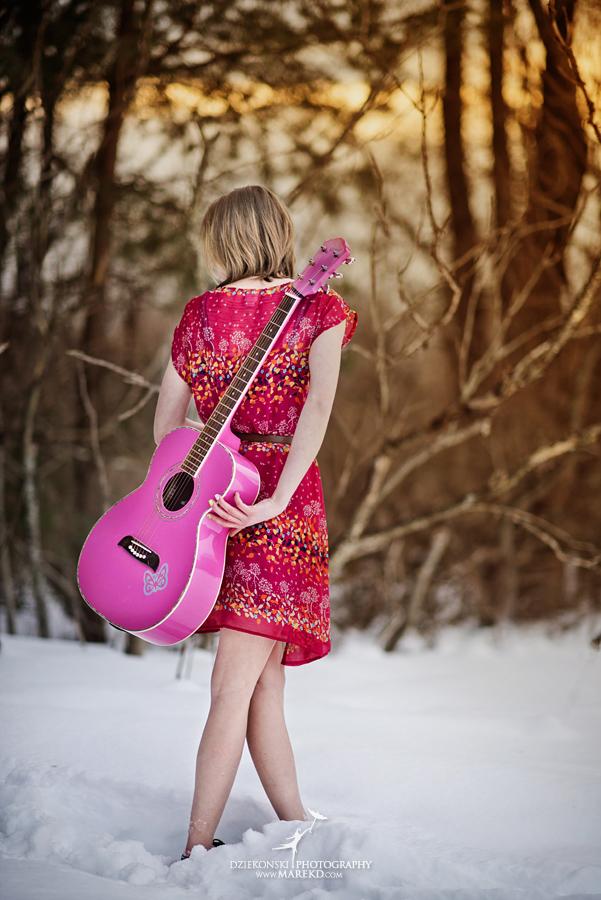 Therese_Stuart_senior-pictures-session-sunrise-winter-cold-snow-february-guitar-hat-nature-woods-clarkston-michigan-metro-detroit03