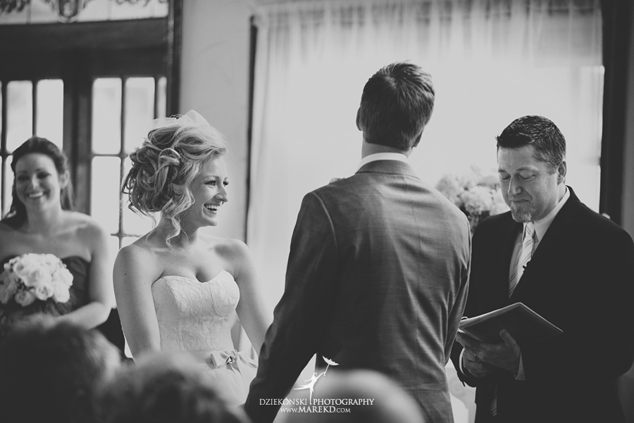 Breanna-Matt-wedding-winter-march-snow-indianwood-golf-and-country-club-lake-orion-ceremony-reception16