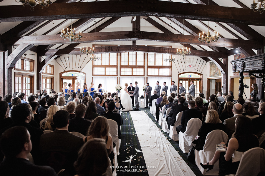 Breanna-Matt-wedding-winter-march-snow-indianwood-golf-and-country-club-lake-orion-ceremony-reception17