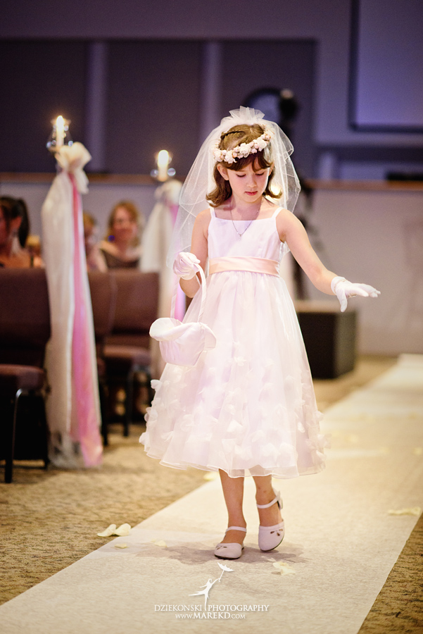 Lindsay-Daniel-metro-detroit-infinity-ovation-water-wedding-ceremony-reception-cruise-michigan03