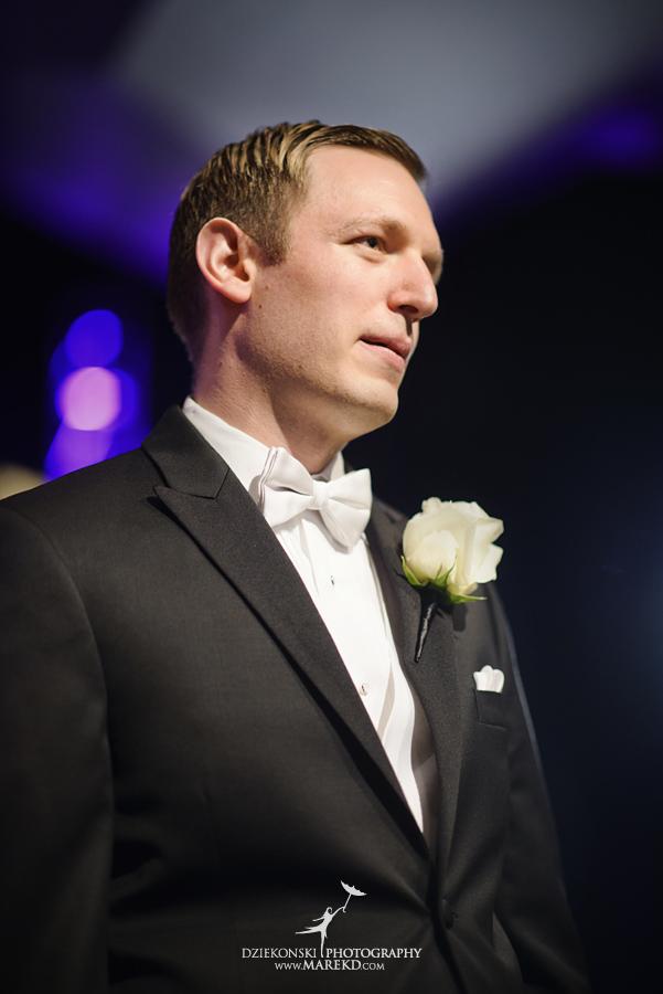 Lindsay-Daniel-metro-detroit-infinity-ovation-water-wedding-ceremony-reception-cruise-michigan04