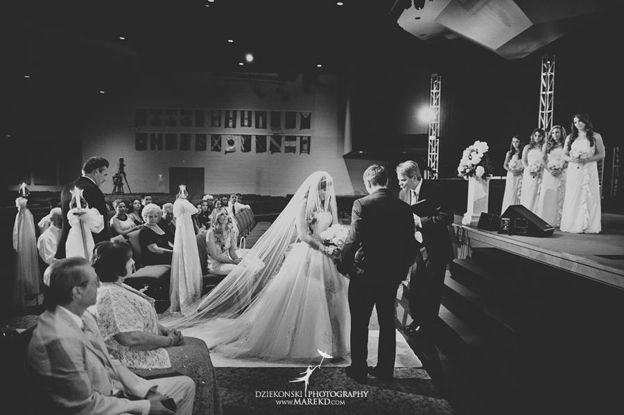 Lindsay-Daniel-metro-detroit-infinity-ovation-water-wedding-ceremony-reception-cruise-michigan06