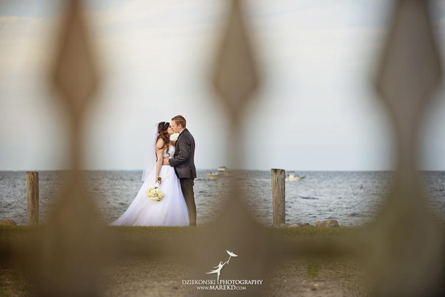 Lindsay-Daniel-metro-detroit-infinity-ovation-water-wedding-ceremony-reception-cruise-michigan10