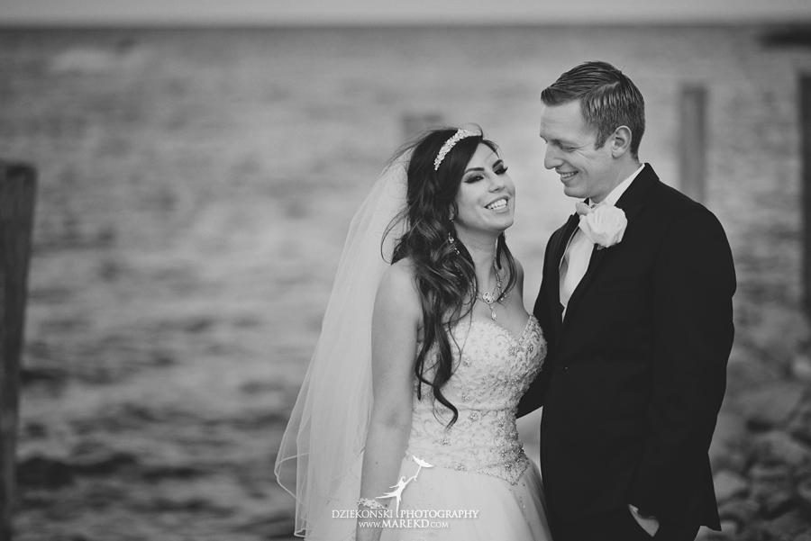 Lindsay-Daniel-metro-detroit-infinity-ovation-water-wedding-ceremony-reception-cruise-michigan11