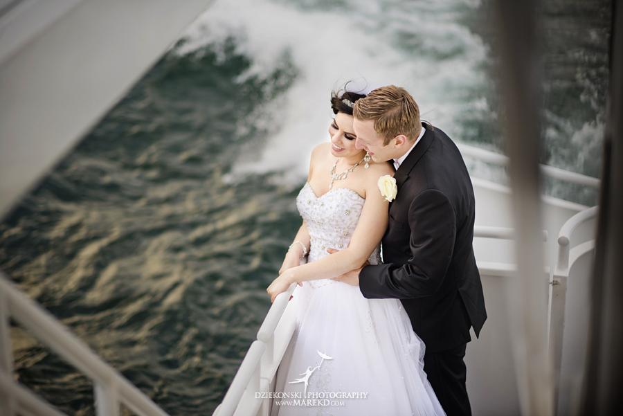 Lindsay-Daniel-metro-detroit-infinity-ovation-water-wedding-ceremony-reception-cruise-michigan17