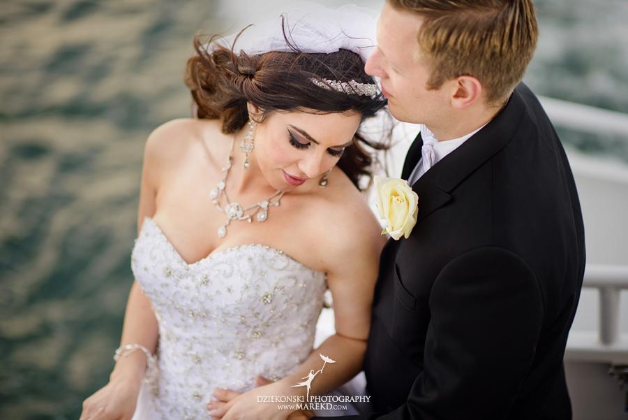 Lindsay-Daniel-metro-detroit-infinity-ovation-water-wedding-ceremony-reception-cruise-michigan18