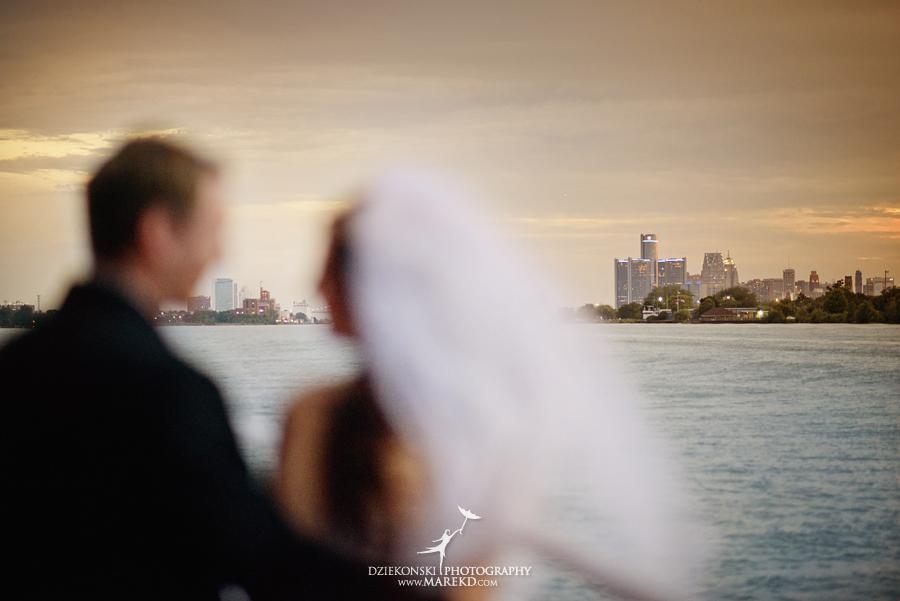 Lindsay-Daniel-metro-detroit-infinity-ovation-water-wedding-ceremony-reception-cruise-michigan23