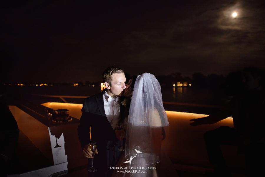 Lindsay-Daniel-metro-detroit-infinity-ovation-water-wedding-ceremony-reception-cruise-michigan27