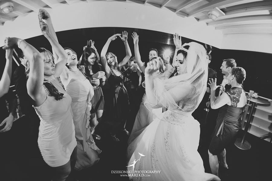 Lindsay-Daniel-metro-detroit-infinity-ovation-water-wedding-ceremony-reception-cruise-michigan31