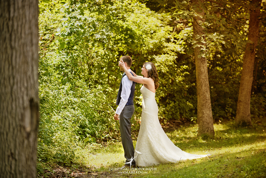 Stephanie-Adam-waldenwoods-resort-summer-wedding-hartland-ceremony-lake-outdoor-tent05
