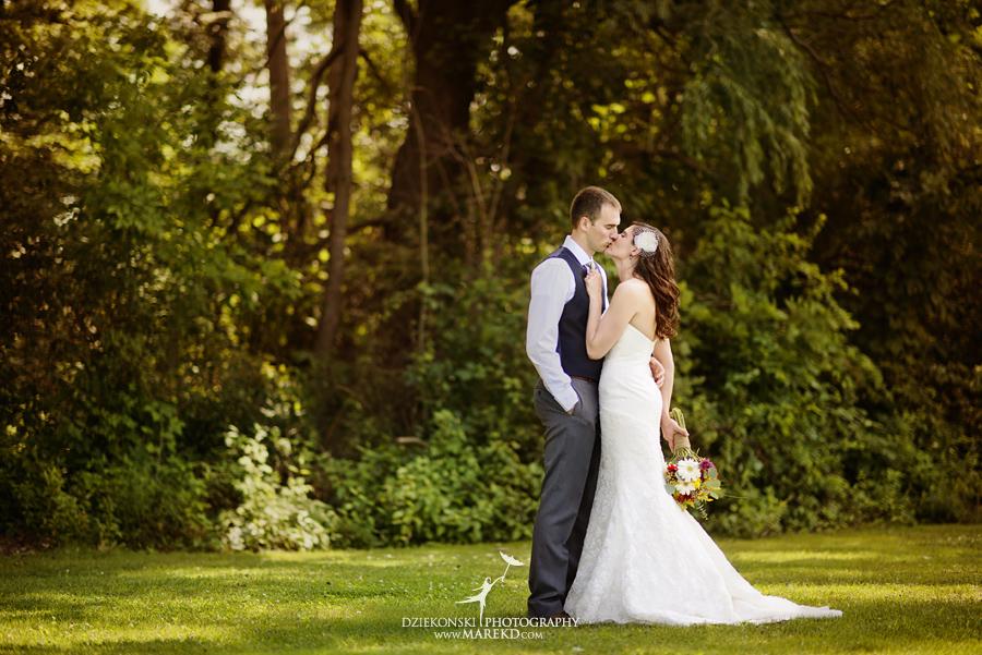 Stephanie-Adam-waldenwoods-resort-summer-wedding-hartland-ceremony-lake-outdoor-tent14