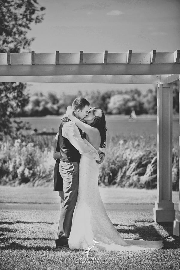 Stephanie-Adam-waldenwoods-resort-summer-wedding-hartland-ceremony-lake-outdoor-tent26
