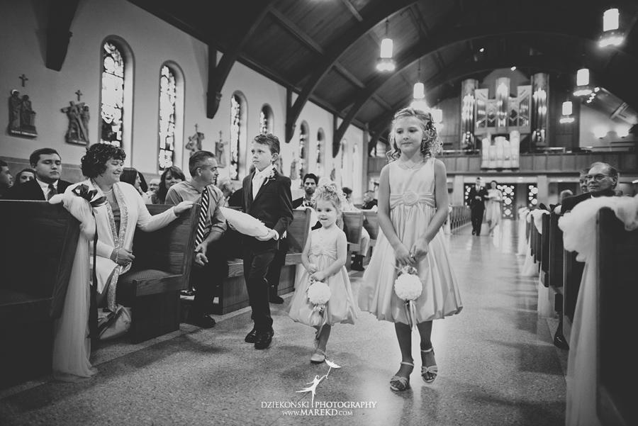 captains-club-fenton-grand-blanc-wedding-ceremony-reception-michigan-david-emily-catholic07