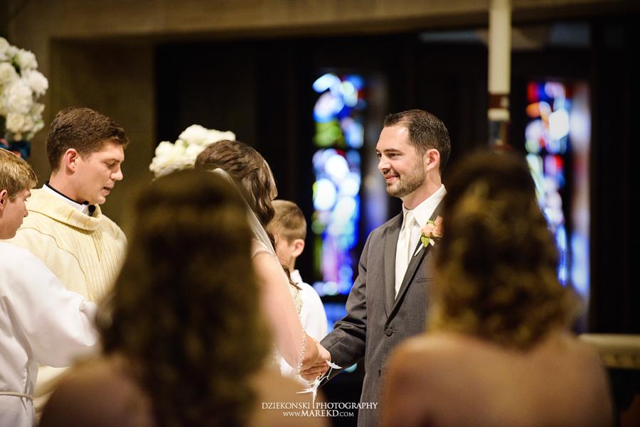 captains-club-fenton-grand-blanc-wedding-ceremony-reception-michigan-david-emily-catholic14