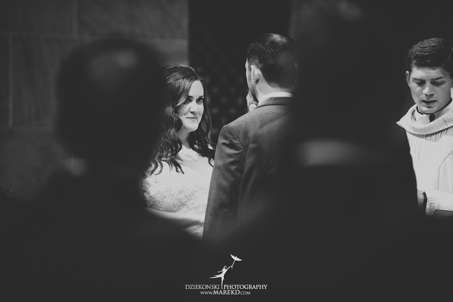 captains-club-fenton-grand-blanc-wedding-ceremony-reception-michigan-david-emily-catholic15