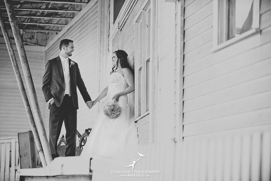 captains-club-fenton-grand-blanc-wedding-ceremony-reception-michigan-david-emily-catholic19