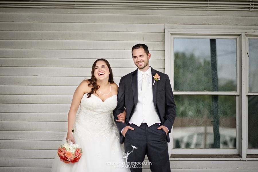 captains-club-fenton-grand-blanc-wedding-ceremony-reception-michigan-david-emily-catholic21