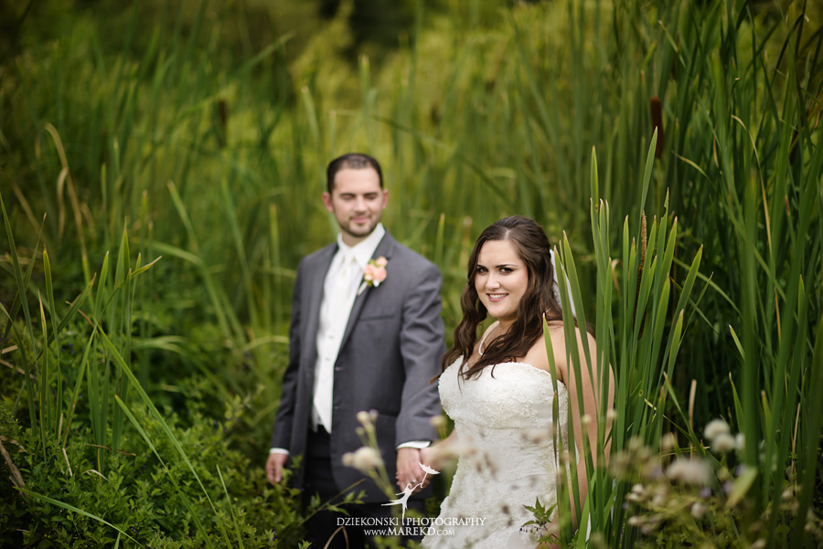 captains-club-fenton-grand-blanc-wedding-ceremony-reception-michigan-david-emily-catholic27