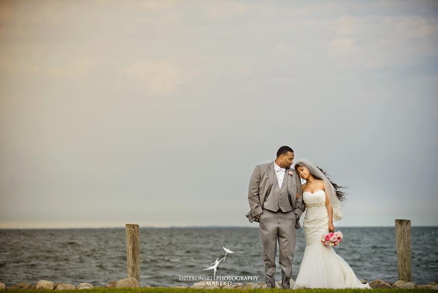 Bentrelle Dameon infinity ovation yacht wedding marina water reception ceremony detroit metro river boat21 - Bentrelle and Dameon