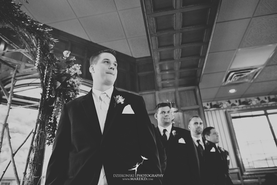 Jen-Andrew-indianwood-golf-club-lake-orion-metro-detroit-pictures-wedding-ceremony-reception-sunset-fall018