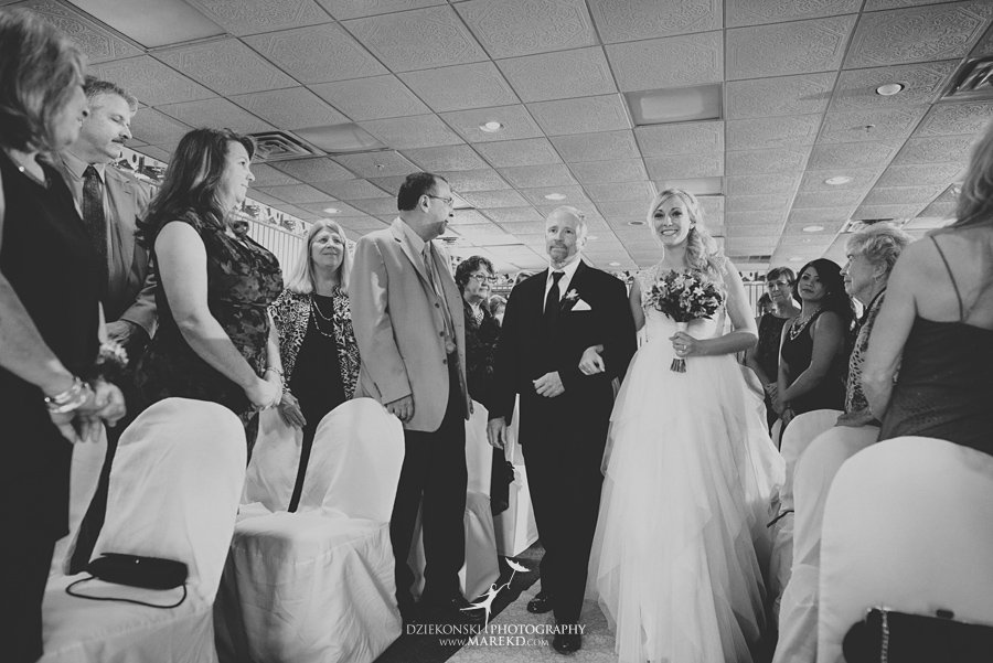 Jen-Andrew-indianwood-golf-club-lake-orion-metro-detroit-pictures-wedding-ceremony-reception-sunset-fall019