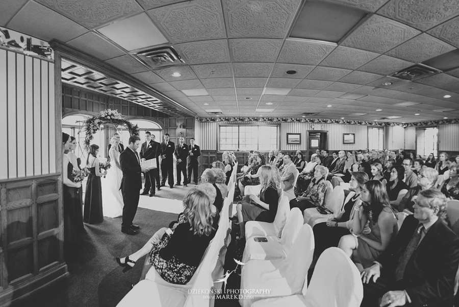 Jen-Andrew-indianwood-golf-club-lake-orion-metro-detroit-pictures-wedding-ceremony-reception-sunset-fall020