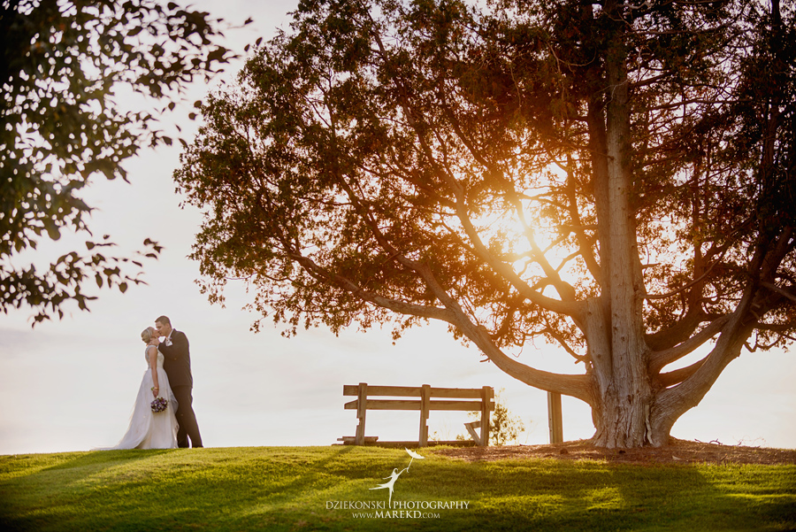 Jen-Andrew-indianwood-golf-club-lake-orion-metro-detroit-pictures-wedding-ceremony-reception-sunset-fall024