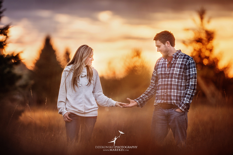 Lisa-Mike-hodack-columbiaville-michigan-nature-family-pictures-michigan-session-sunrise01