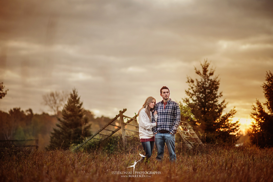 Lisa-Mike-hodack-columbiaville-michigan-nature-family-pictures-michigan-session-sunrise02