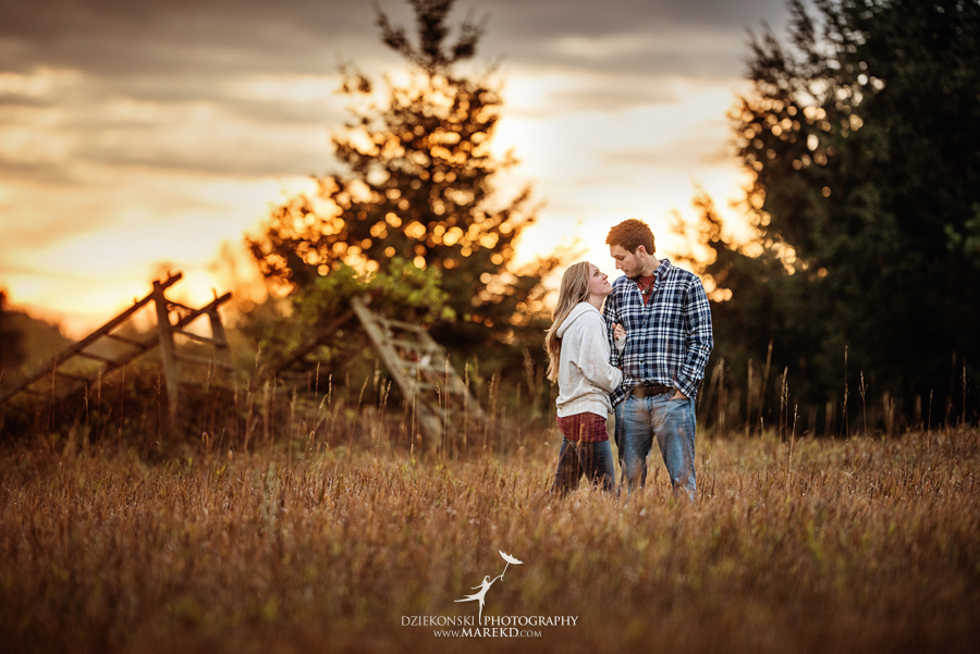 Lisa-Mike-hodack-columbiaville-michigan-nature-family-pictures-michigan-session-sunrise04