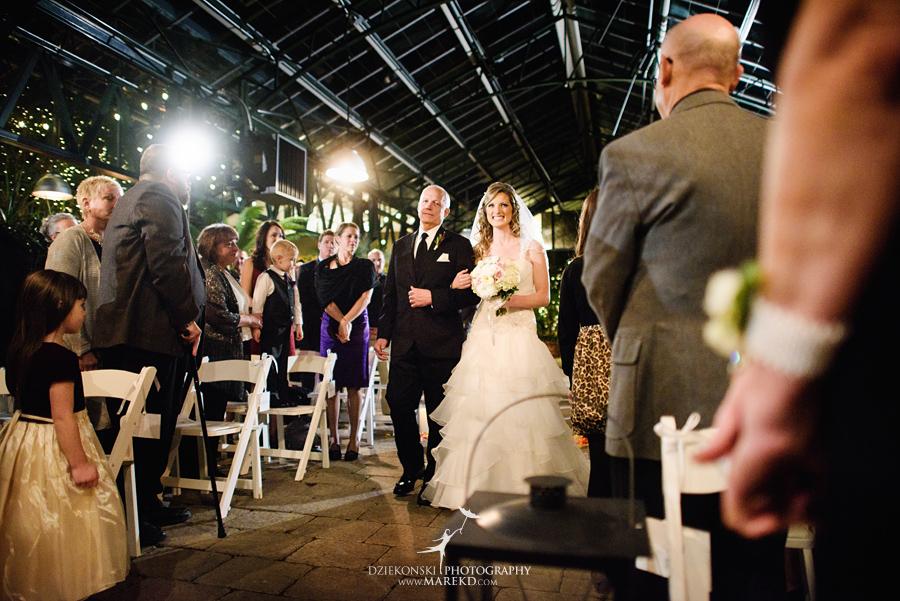 karen-brad-wedding-ceremony-reception-planterra-west-bloomfield-michigan-pictures-greenhouse-photographer21