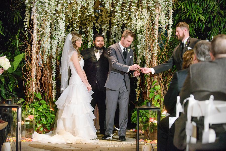 karen-brad-wedding-ceremony-reception-planterra-west-bloomfield-michigan-pictures-greenhouse-photographer25
