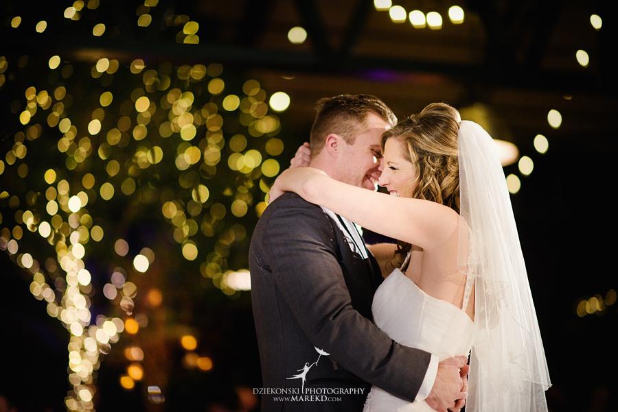 karen-brad-wedding-ceremony-reception-planterra-west-bloomfield-michigan-pictures-greenhouse-photographer43