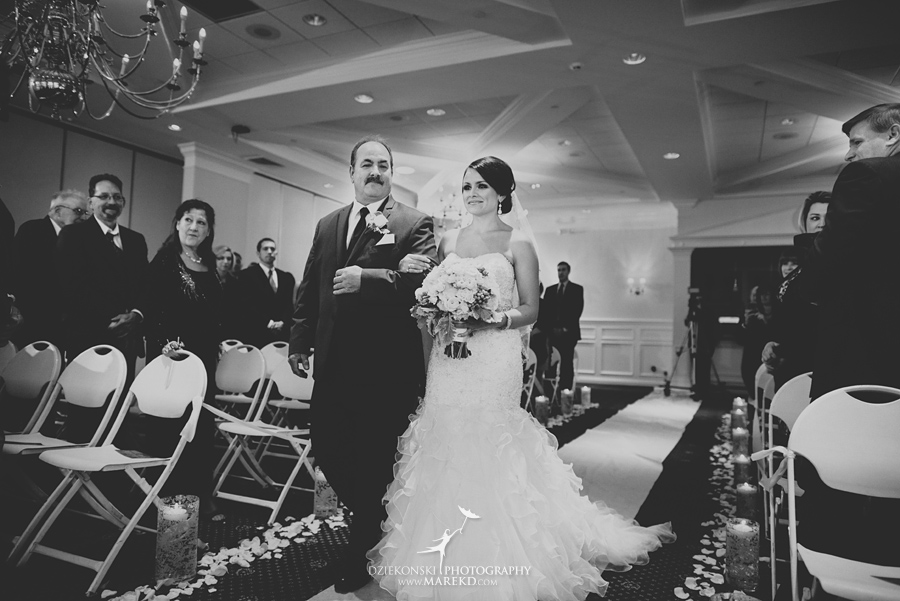 lindsay-chris-cherry-creek-shelby-township-michigan-wedding-ceremony-reception-pictures-fall24