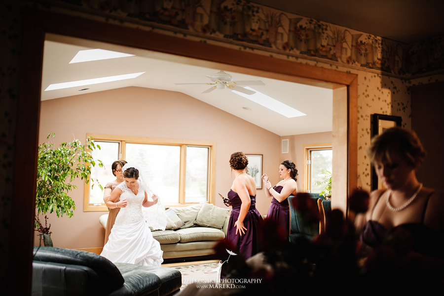 meghan-steve-wedding-ceremony-reception-captains-club-grand-blanc-michigan-winter-dark-photographer07
