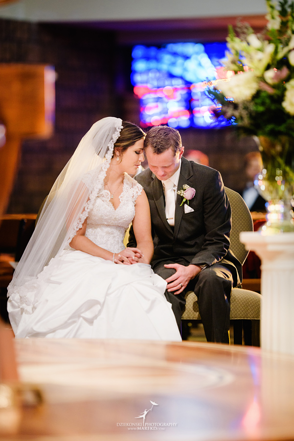 meghan-steve-wedding-ceremony-reception-captains-club-grand-blanc-michigan-winter-dark-photographer23