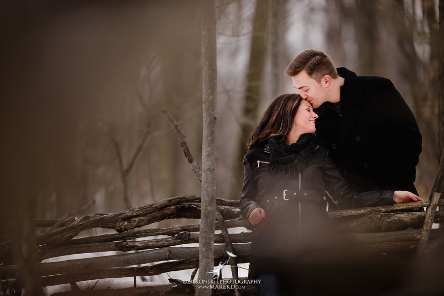 Danielle-Kevin-Engagement-Photographer-Clarkston-Metro-Detroit-winter-sunrise-snow-nature-january03