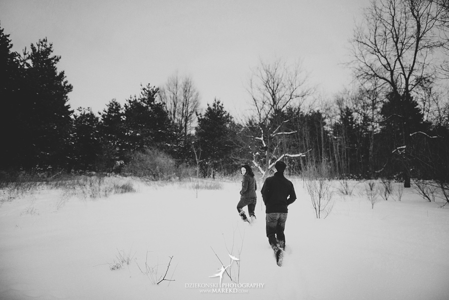Jenna-Tim-winter-snow-cold-outdoor-engagement-session-nature-woods-flurries-michigan-clarkston-metro-detroit-pictures-photographer01