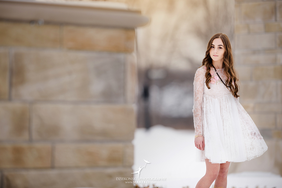 natalie-moceri-senior-pictures-photographer-winter-clarkston-rochester-hills-michigan-inside-restaurant-interior-cold-snow09
