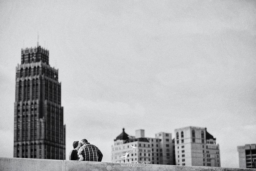 leeann-okezie-engagement-session-detroit-art-deco-winter-march-cityscape02