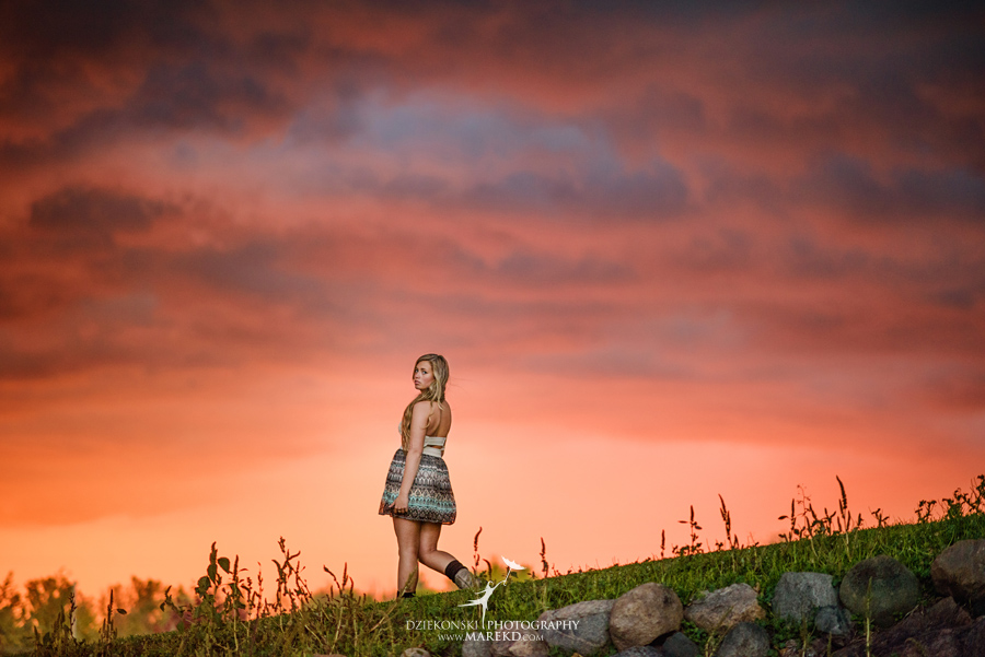 tina-mckechnie-senior-pictures-photographer-michigan-clarkston-barn-rustic-amazing-sunset-light-hey-sky-ballet-dance10