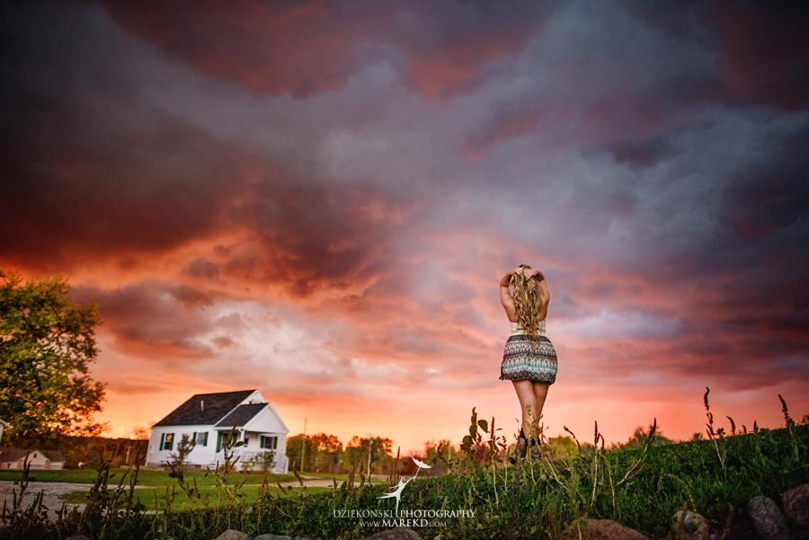 tina-mckechnie-senior-pictures-photographer-michigan-clarkston-barn-rustic-amazing-sunset-light-hey-sky-ballet-dance11