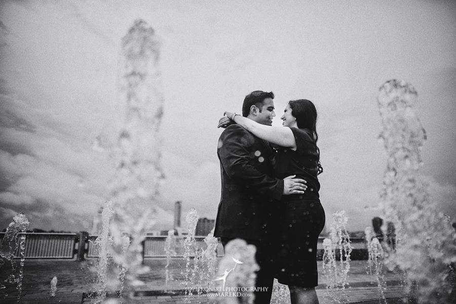 Sarah-Jay-Engagement-pictures-metro-detroit-downtown-photographer-rain-umbrella-rennaisance-center-river-walk-indian-traditional-outfit09