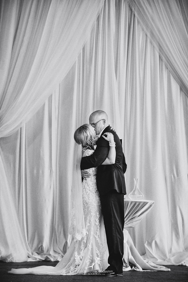 Emily-Jason-wedding-ceremony-reception-rennaisance-center-waterview-loft-water-first-look-tan-downtown-detroit51