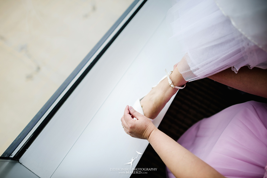 anna-charles-wedding-ceremony-reception-photographer-pictures-grosse-pointe-academy-chapel-war-memorial08